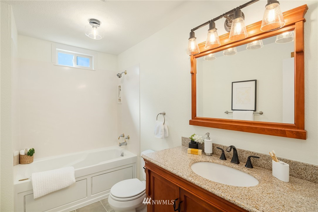 Sold Property | 3011 NE 194th Street Lake Forest Park, WA 98155 14