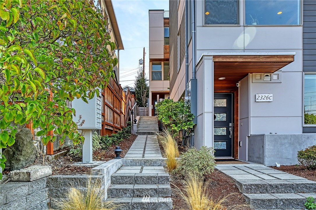 Active | 2328 Minor Avenue E #A Seattle, WA 98102 2