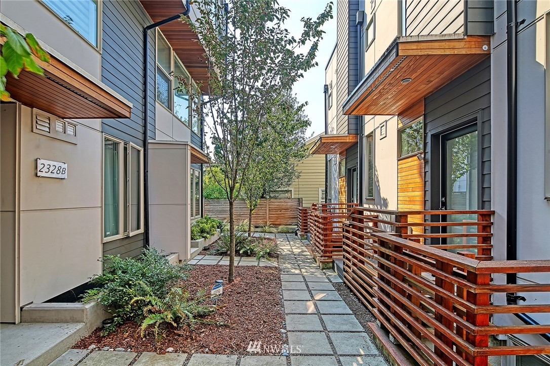 Active | 2328 Minor Avenue E #A Seattle, WA 98102 3