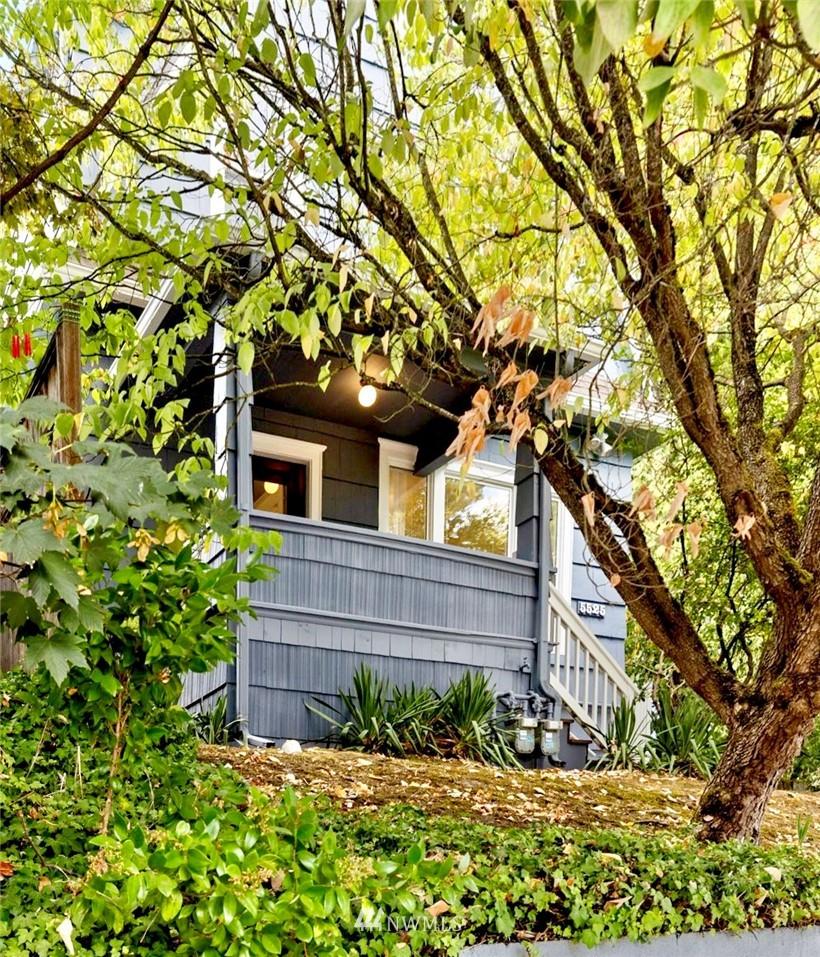Sold Property | 5525 11th Avenue NE Seattle, WA 98105 0