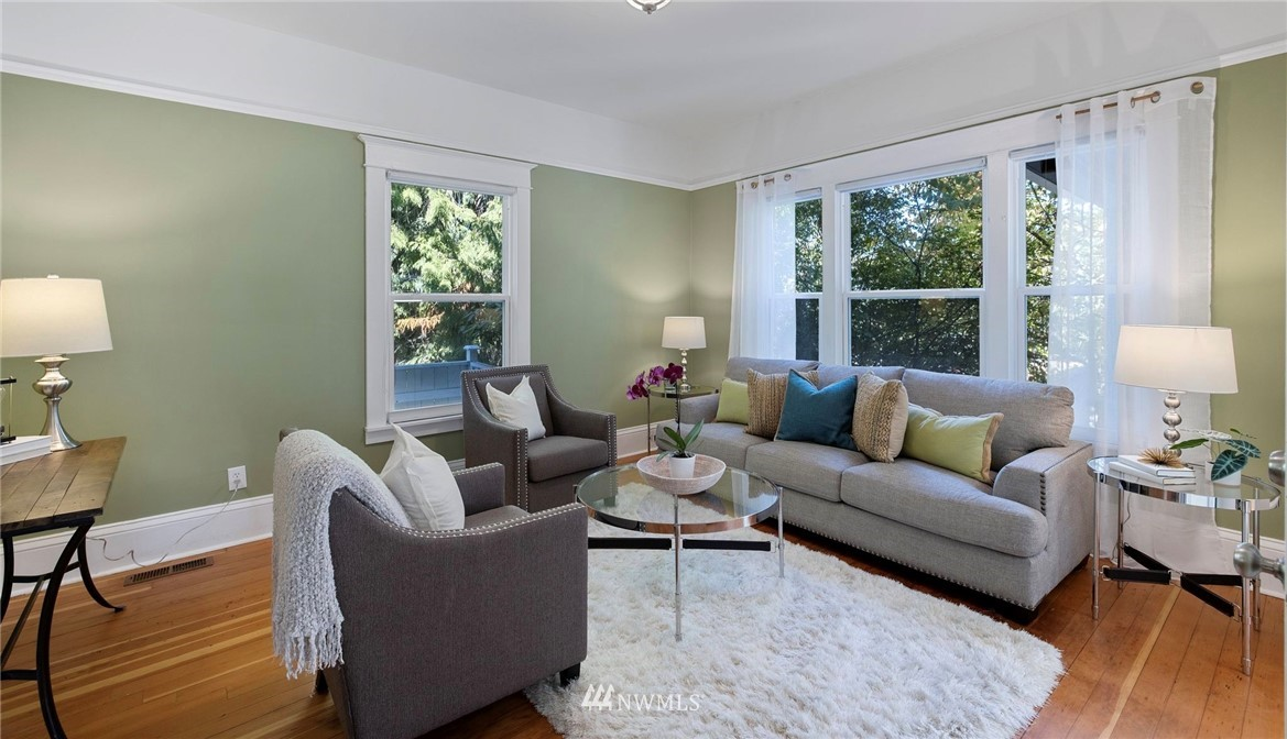 Sold Property | 5525 11th Avenue NE Seattle, WA 98105 7