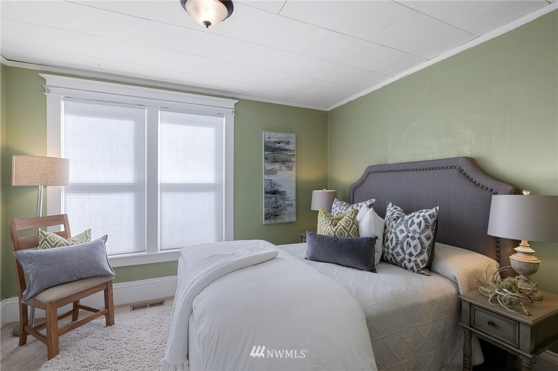 Sold Property | 5525 11th Avenue NE Seattle, WA 98105 16