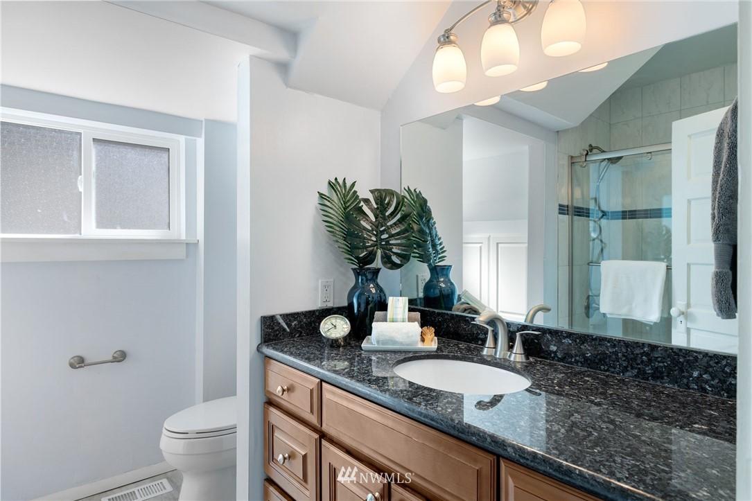 Sold Property | 5525 11th Avenue NE Seattle, WA 98105 17