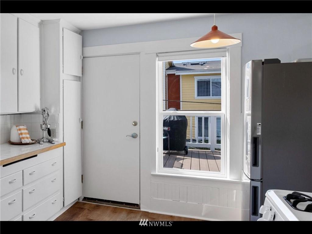 Sold Property | 5525 11th Avenue NE Seattle, WA 98105 32