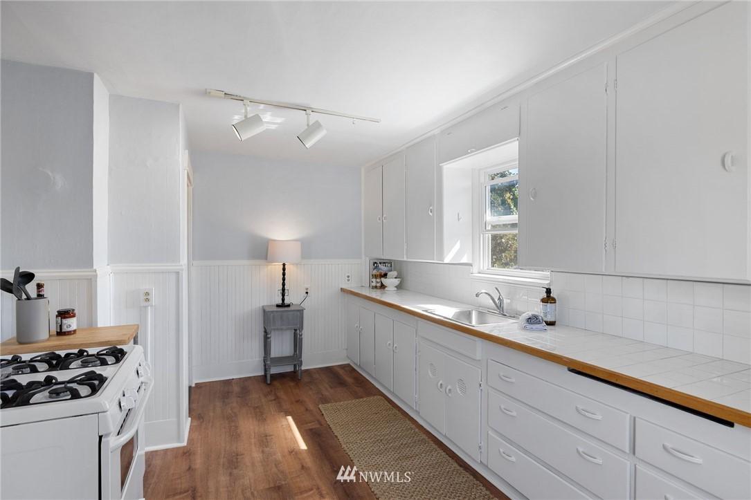 Sold Property | 5525 11th Avenue NE Seattle, WA 98105 27