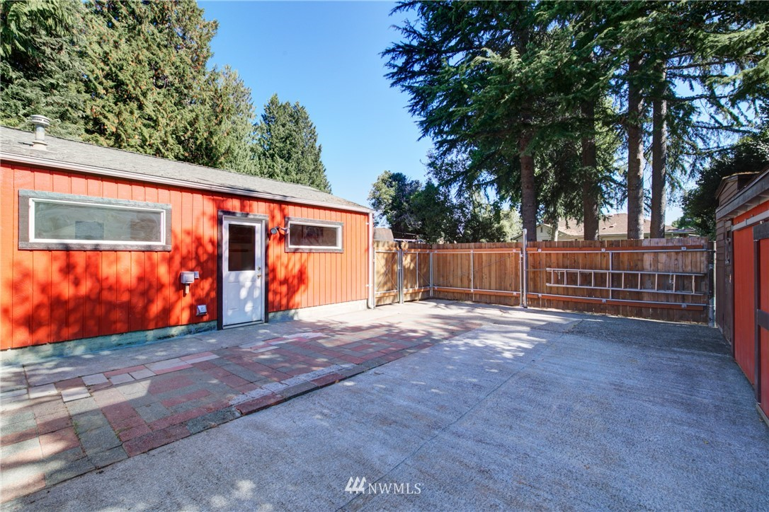 Pending   11532 Sand Point Way NE Seattle, WA 98125 29