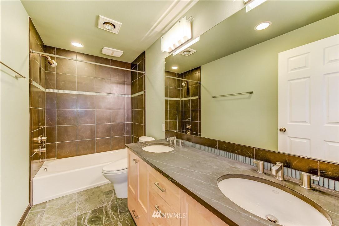 Pending | 6033 6th Avenue NW Seattle, WA 98107 3