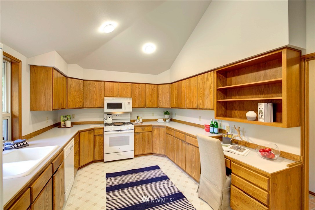 Pending | 21004 SE 258th Street Maple Valley, WA 98038 17