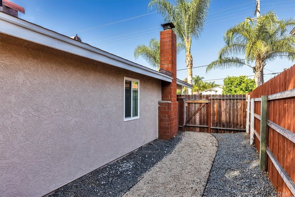 Pending | 1102 Old Stage Road Fallbrook, CA 92028 26