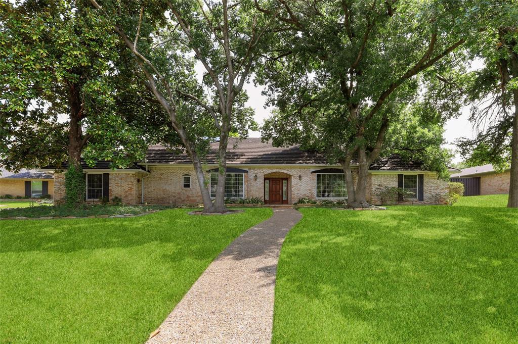 Pending   6728 Mossvine Place Dallas, Texas 75254 0