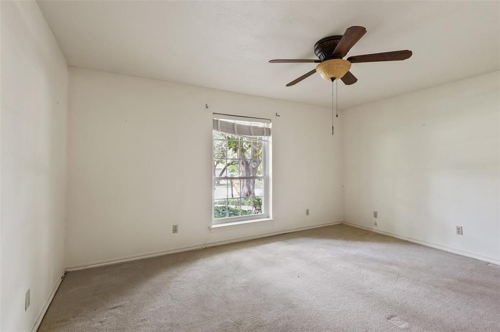Pending   6728 Mossvine Place Dallas, Texas 75254 26
