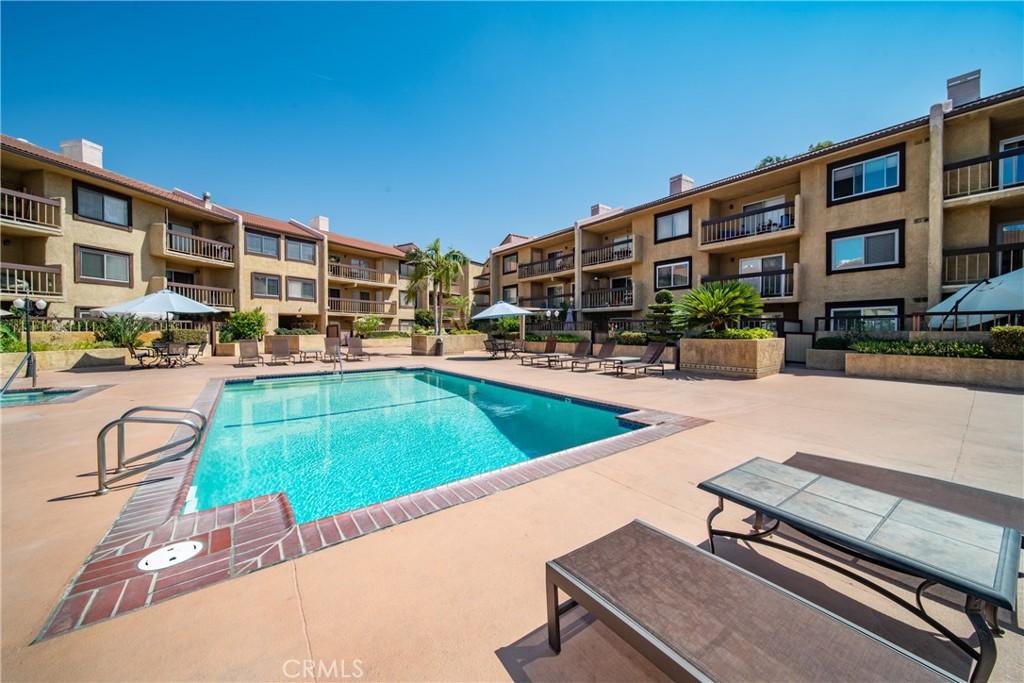 Pending   3481 Stancrest Drive #207 Glendale, CA 91208 36