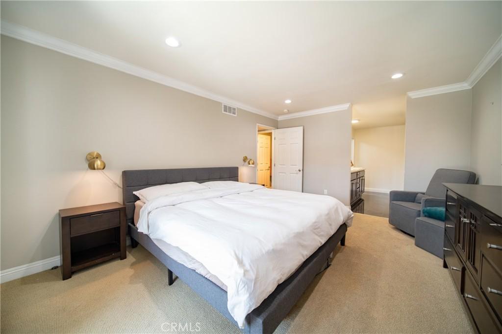 Pending   3481 Stancrest Drive #207 Glendale, CA 91208 13