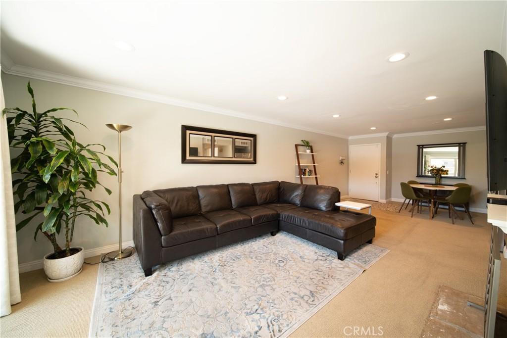 Pending   3481 Stancrest Drive #207 Glendale, CA 91208 7