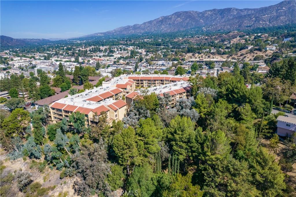 Pending   3481 Stancrest Drive #207 Glendale, CA 91208 51