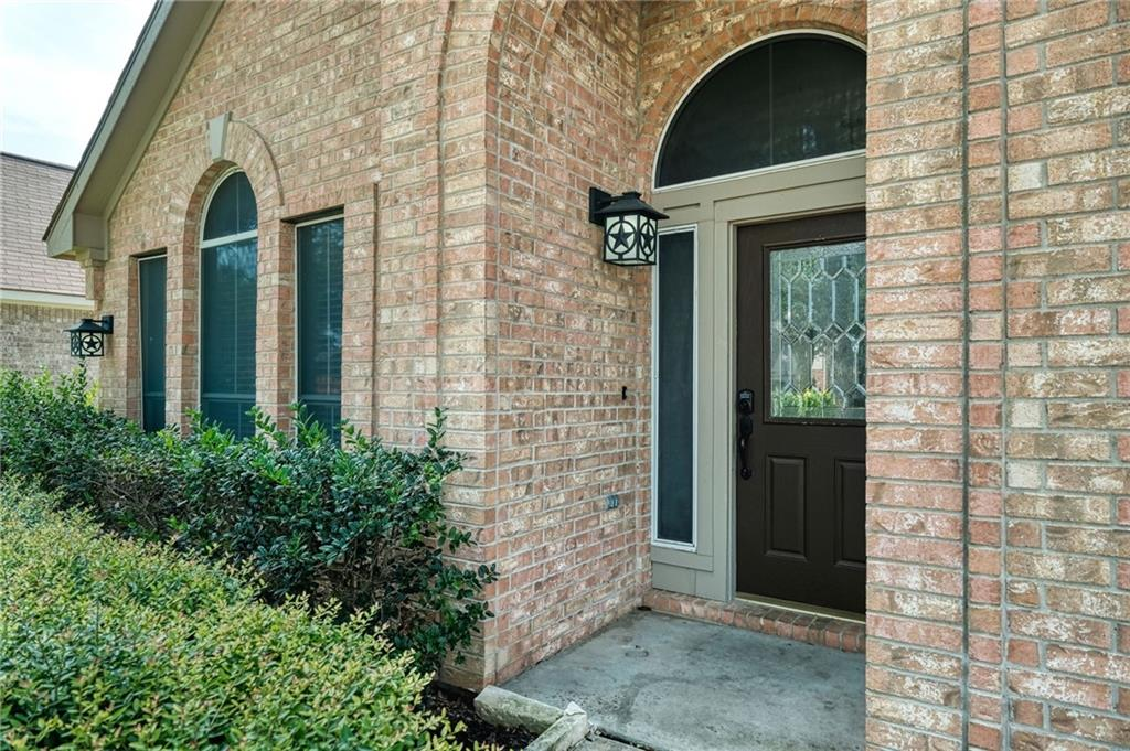 ActiveUnderContract   807 Champions Point Pflugerville, TX 78660 4