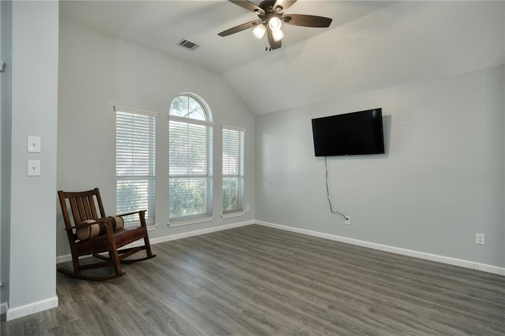 ActiveUnderContract   807 Champions Point Pflugerville, TX 78660 6