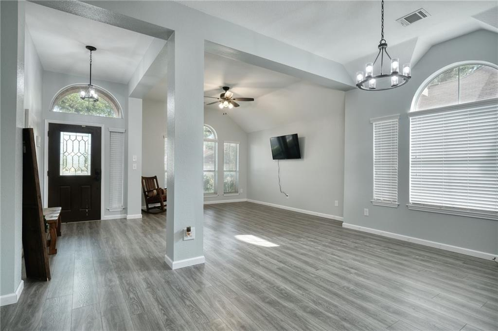 ActiveUnderContract   807 Champions Point Pflugerville, TX 78660 7