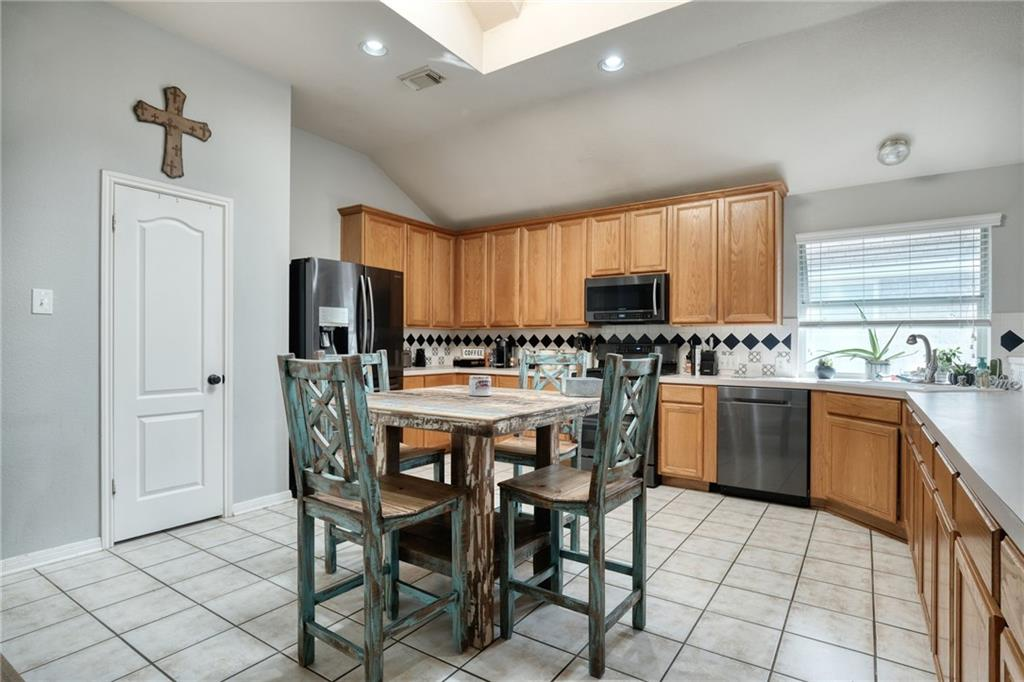 ActiveUnderContract   807 Champions Point Pflugerville, TX 78660 9