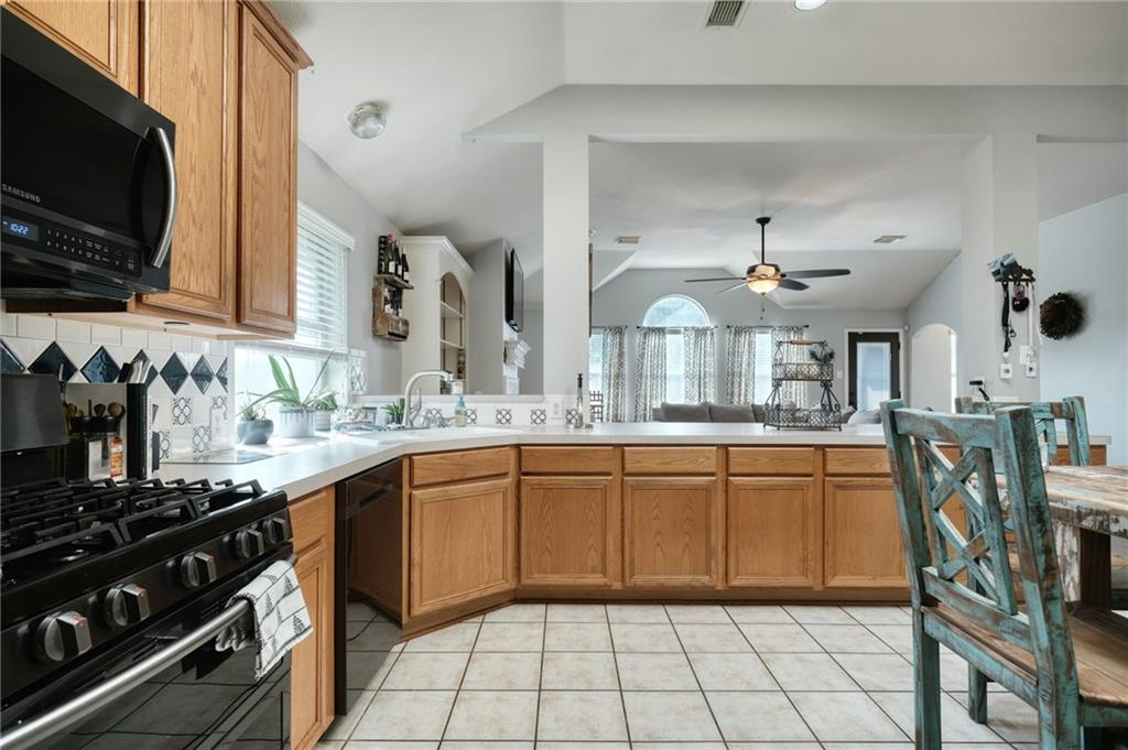 ActiveUnderContract   807 Champions Point Pflugerville, TX 78660 11
