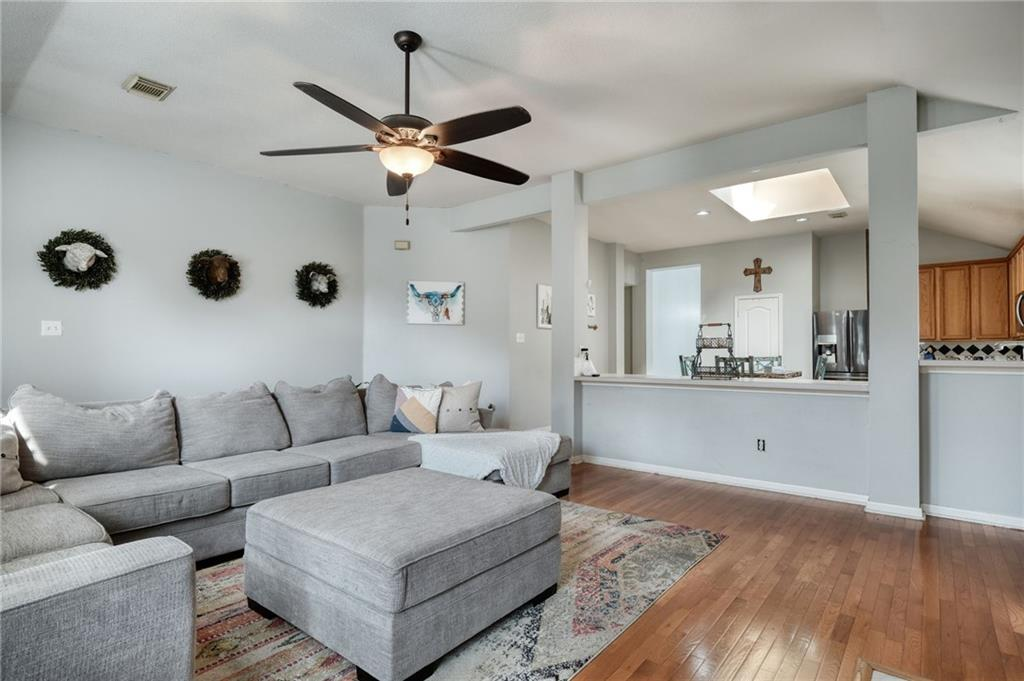 ActiveUnderContract   807 Champions Point Pflugerville, TX 78660 13