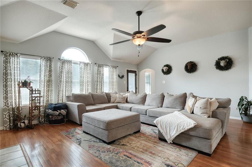 ActiveUnderContract   807 Champions Point Pflugerville, TX 78660 14