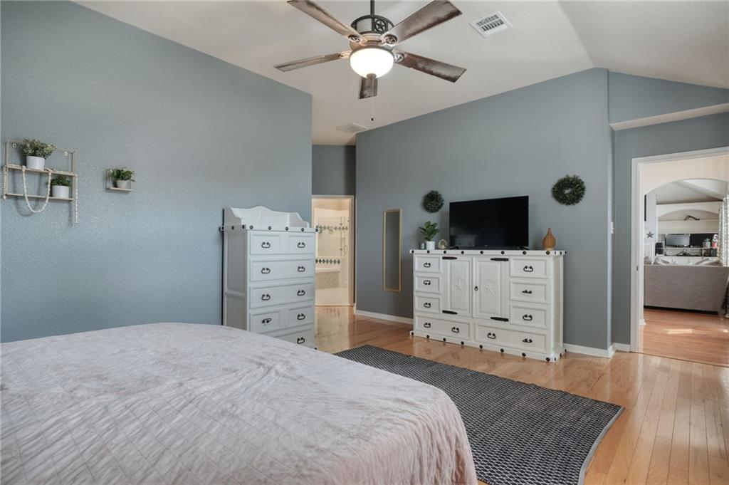 ActiveUnderContract   807 Champions Point Pflugerville, TX 78660 16