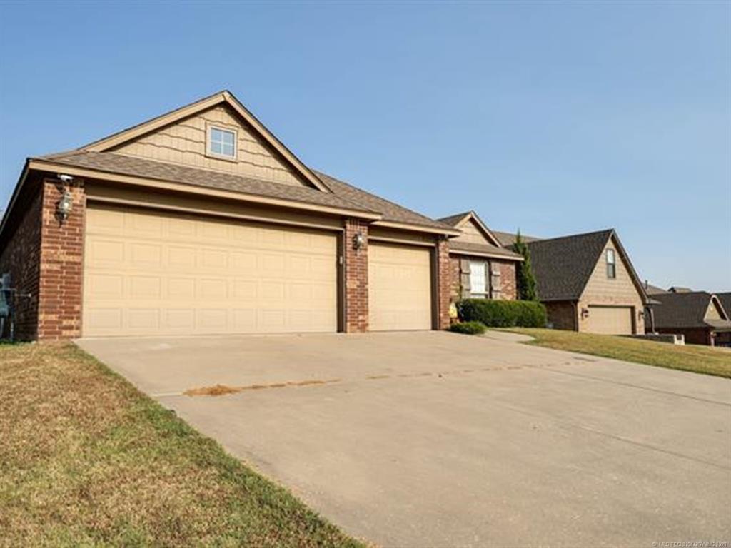 Off Market   8501 N 77th East Avenue Owasso, Oklahoma 74055 44