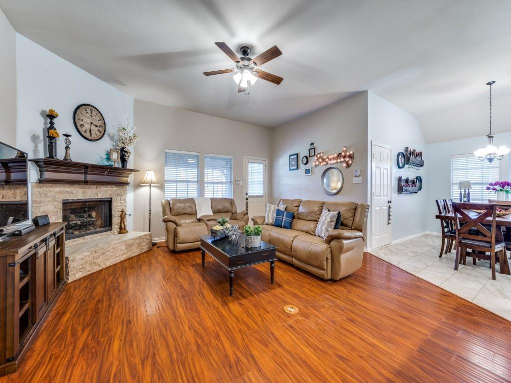 Active Contingent   10202 Morning Glory Lane Frisco, Texas 75035 5