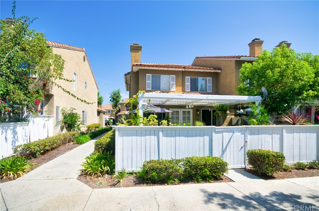 Pending   26931 Begonia Place Mission Viejo, CA 92692 1