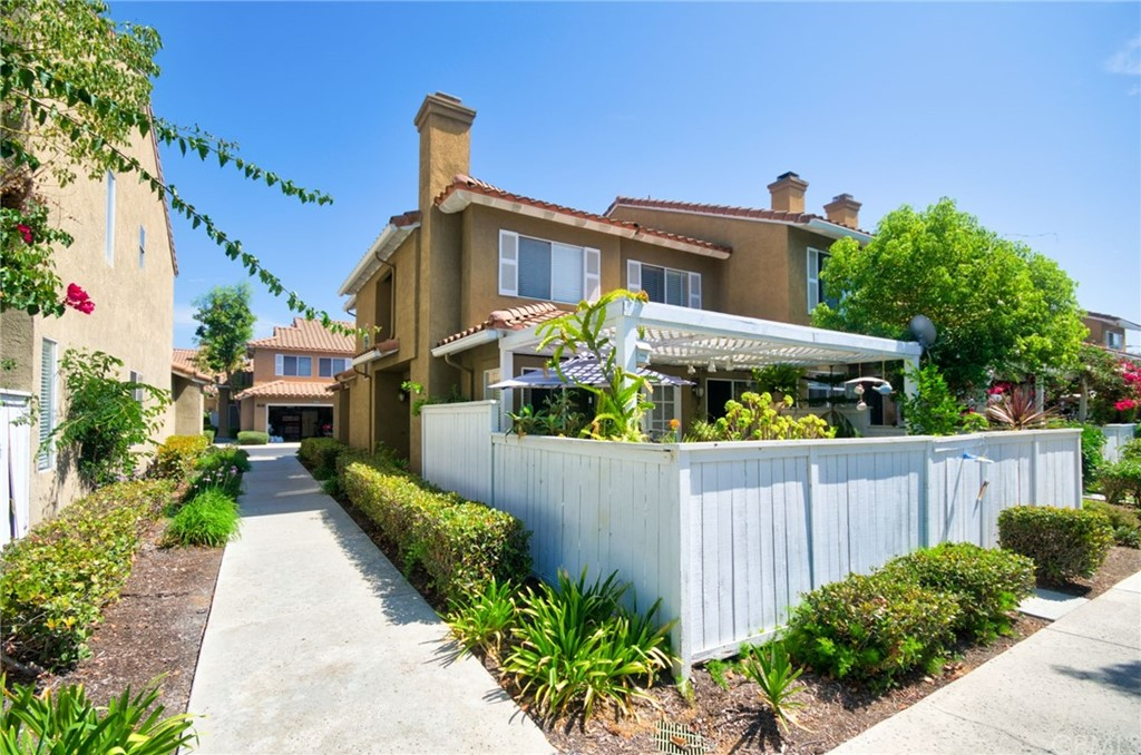 Pending   26931 Begonia Place Mission Viejo, CA 92692 0