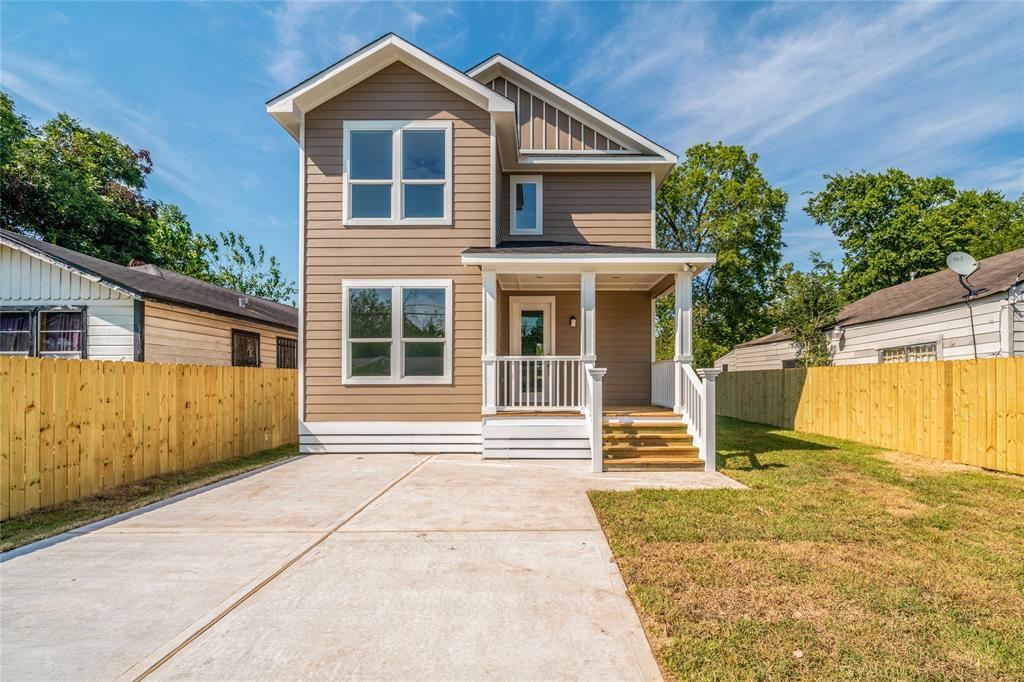 Pending | 3819 Courtney Street Houston, Texas 77026 0