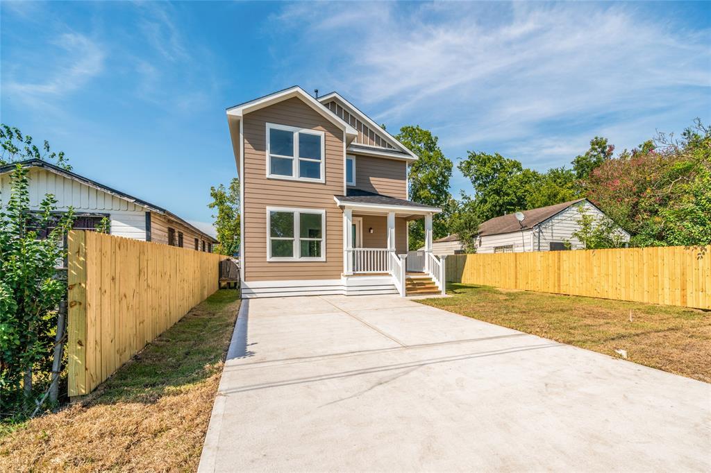 Pending | 3819 Courtney Street Houston, Texas 77026 2