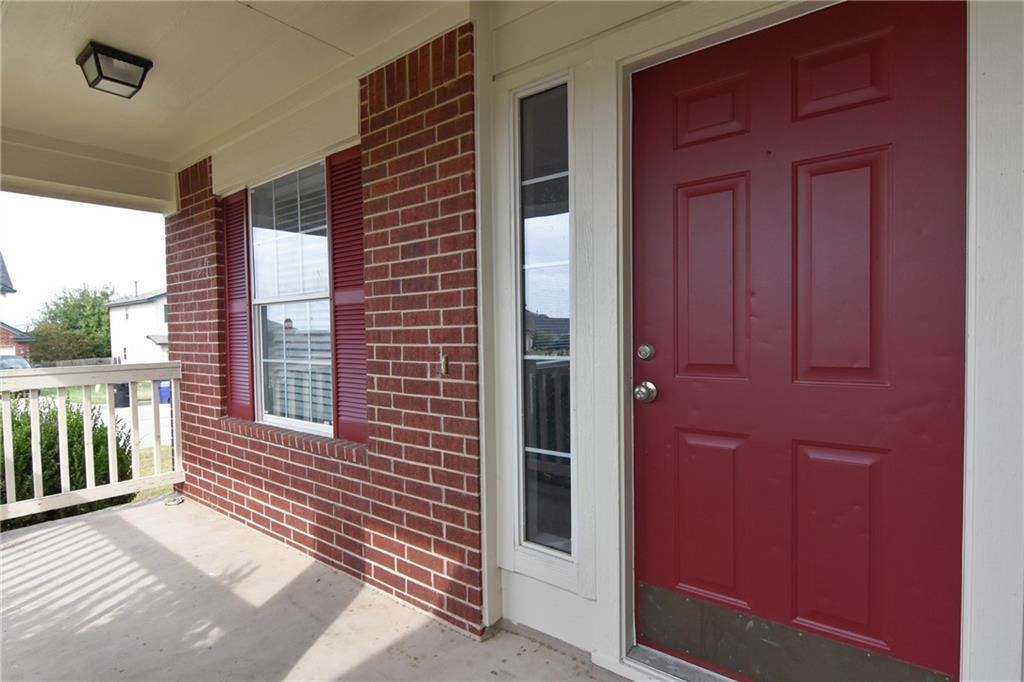 Closed   1008 Estate Drive Hutto, TX 78634 4