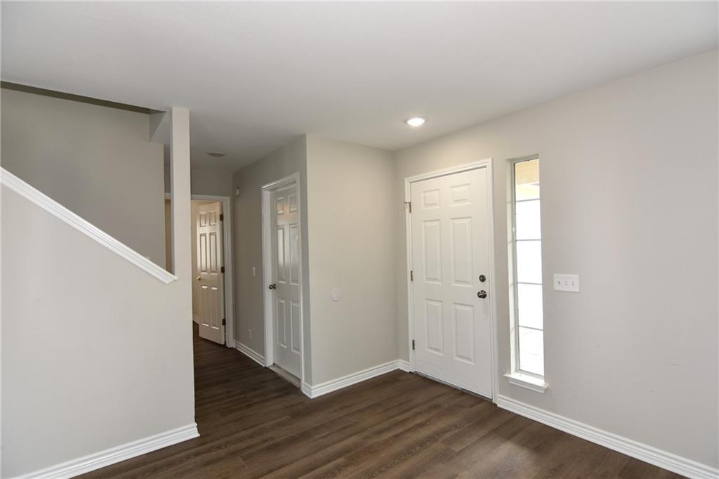 Closed   1008 Estate Drive Hutto, TX 78634 5