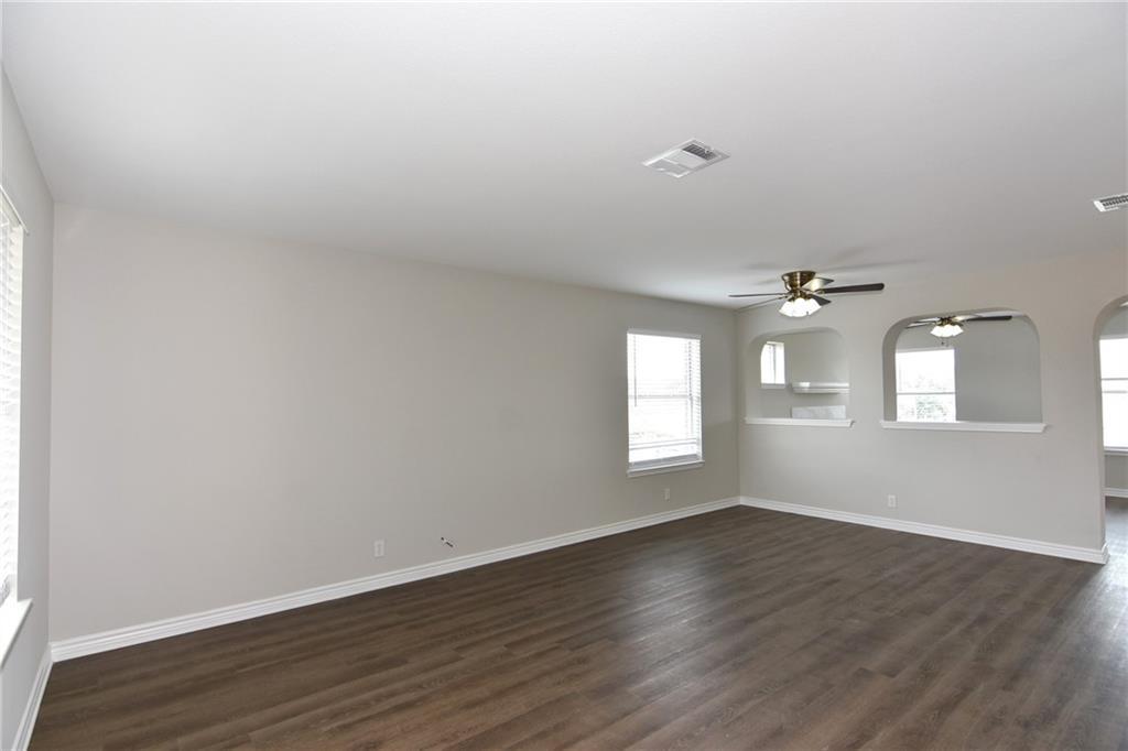 Closed   1008 Estate Drive Hutto, TX 78634 6
