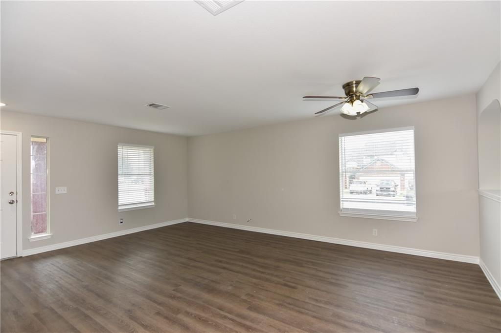 Closed   1008 Estate Drive Hutto, TX 78634 7