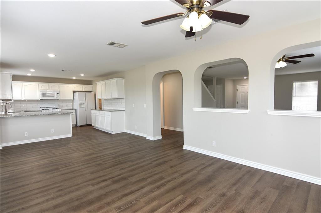 Closed   1008 Estate Drive Hutto, TX 78634 9