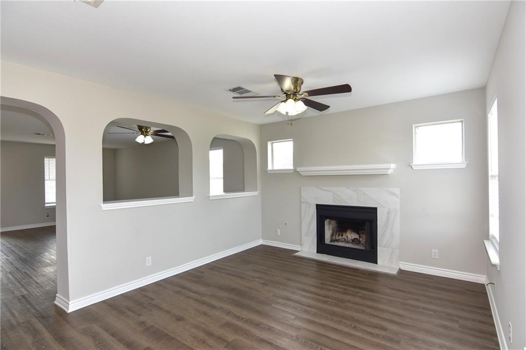 Closed   1008 Estate Drive Hutto, TX 78634 10