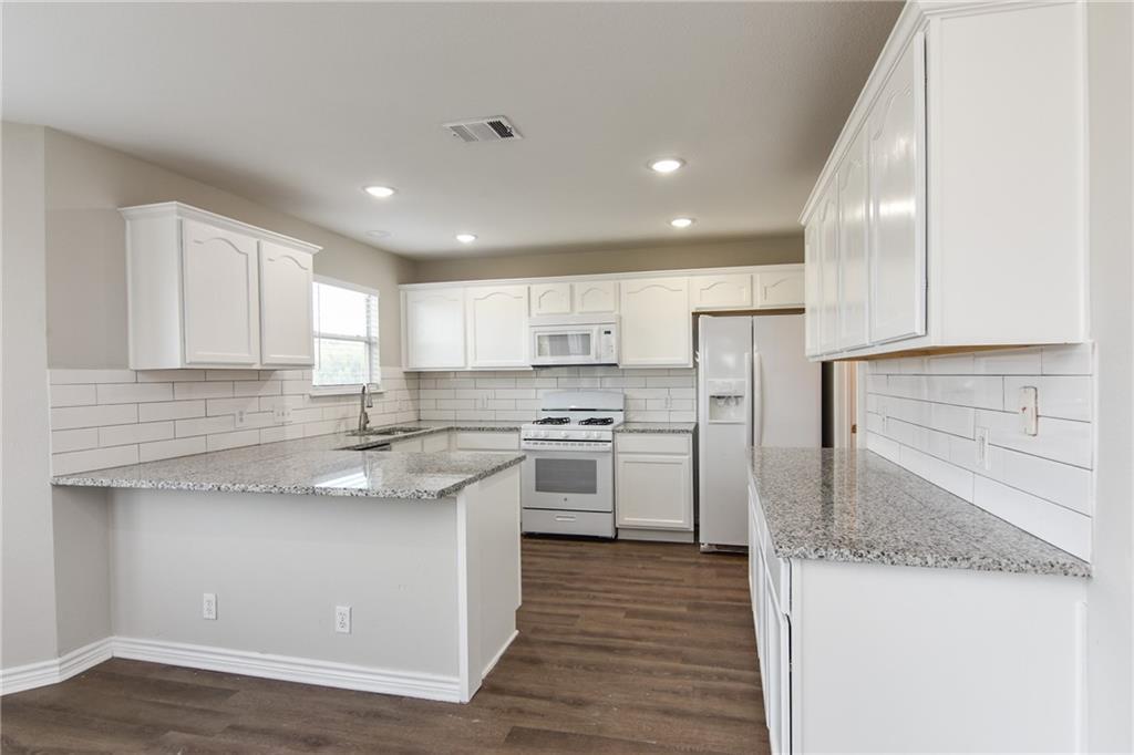 Closed   1008 Estate Drive Hutto, TX 78634 12