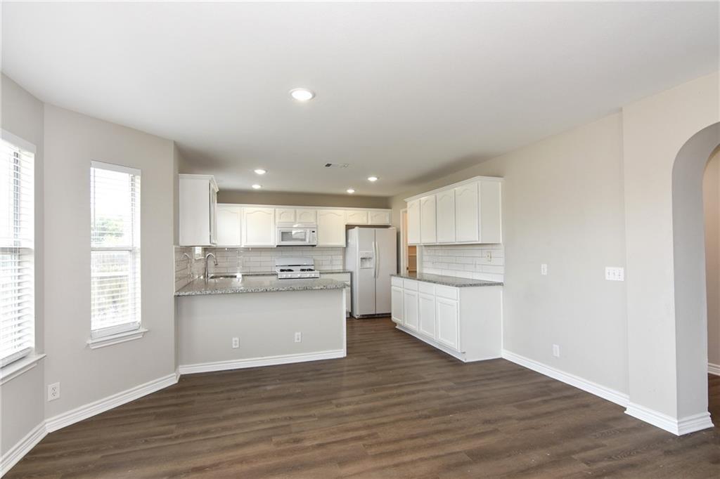 Closed   1008 Estate Drive Hutto, TX 78634 16