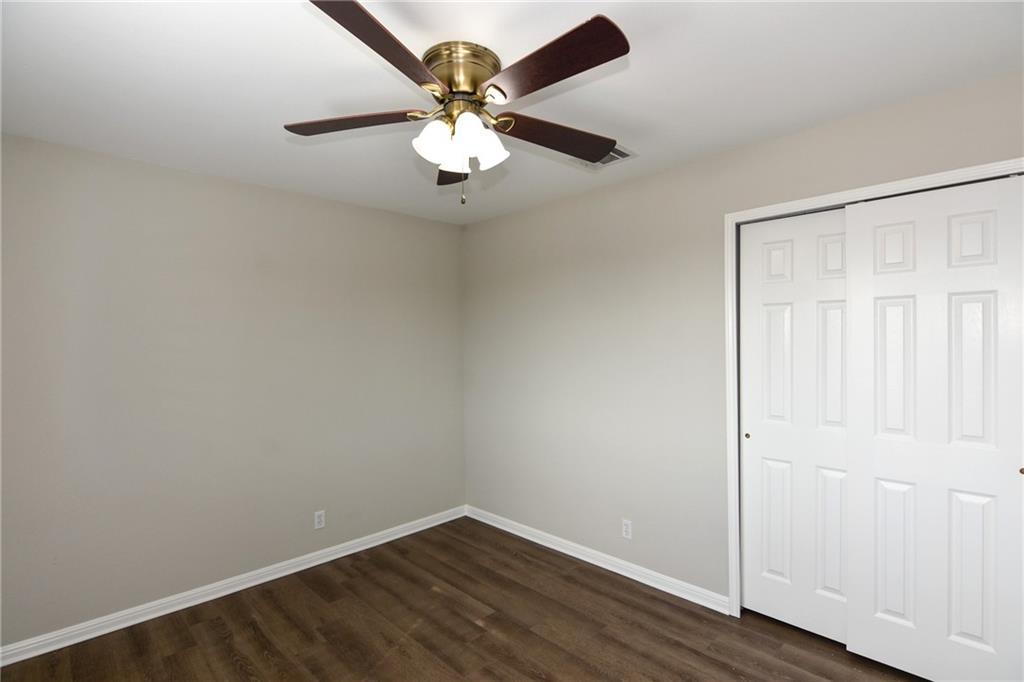 Closed   1008 Estate Drive Hutto, TX 78634 28