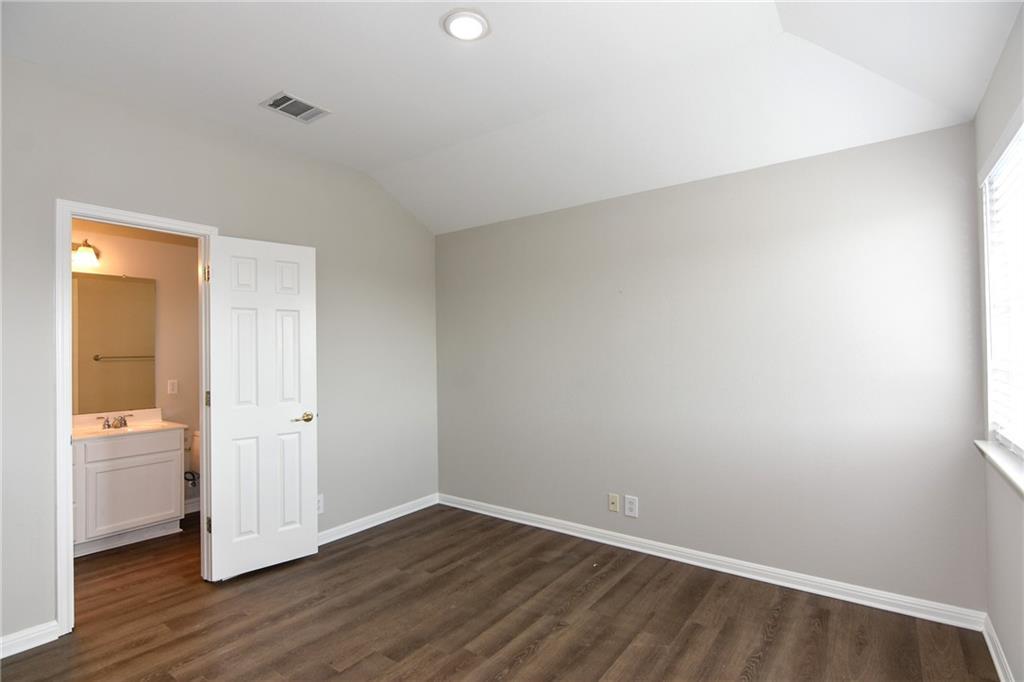 Closed   1008 Estate Drive Hutto, TX 78634 30