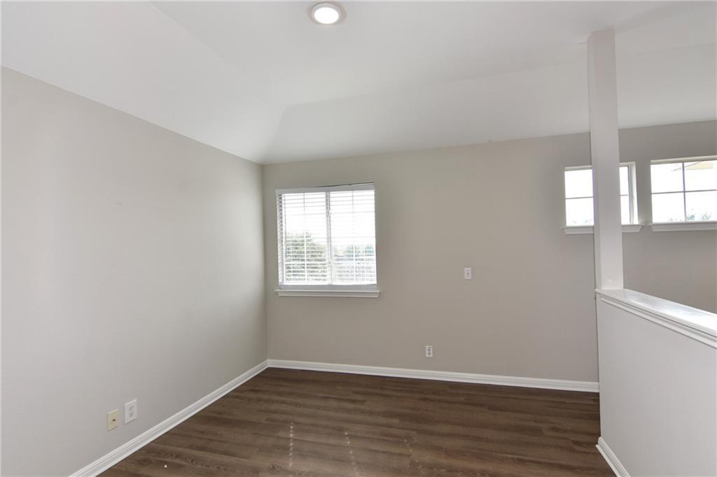 Closed   1008 Estate Drive Hutto, TX 78634 31