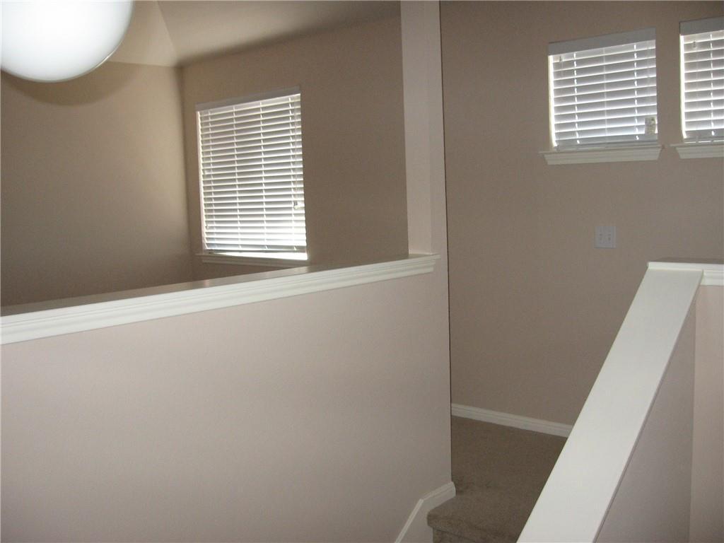 Closed   1008 Estate Drive Hutto, TX 78634 32