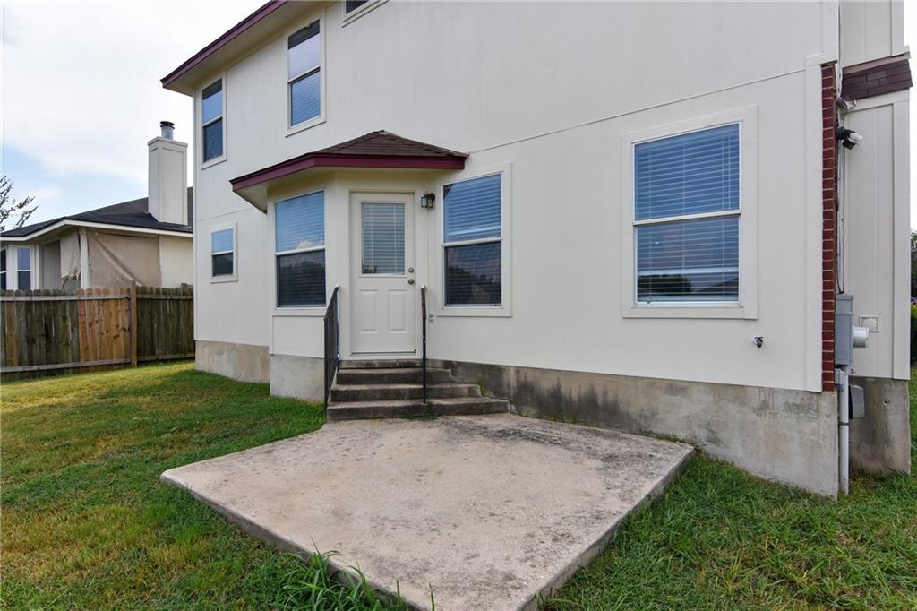 Closed   1008 Estate Drive Hutto, TX 78634 33