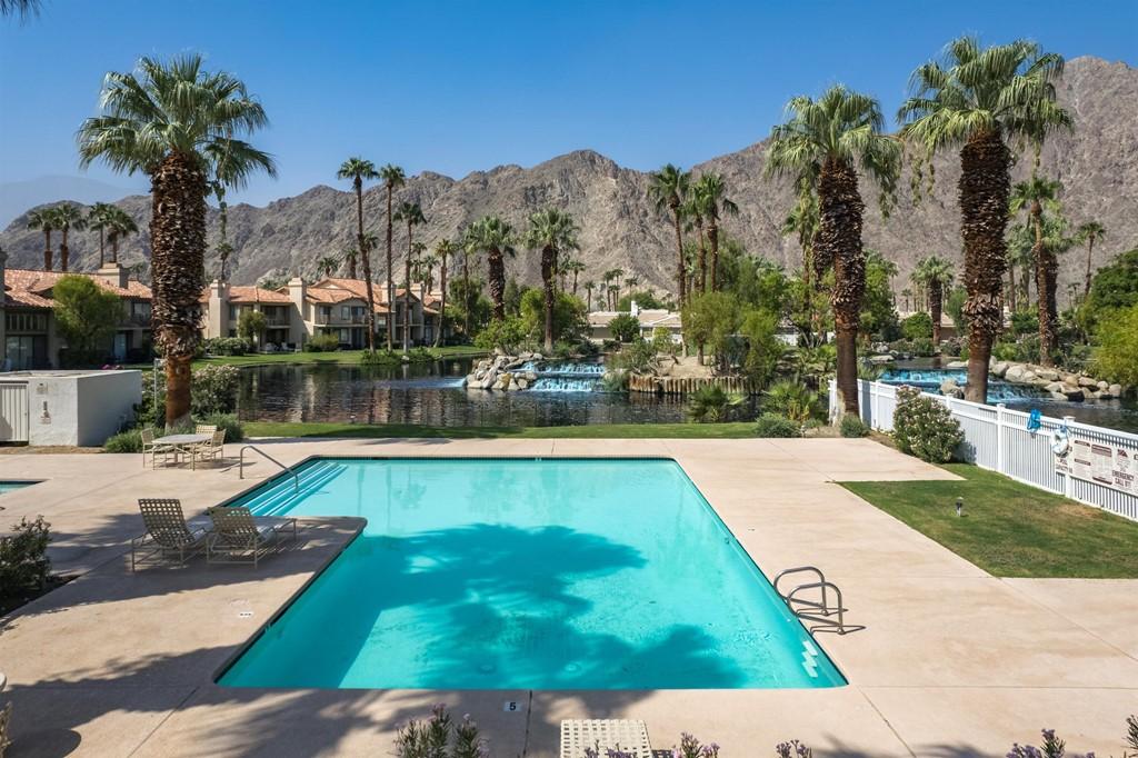 ActiveUnderContract   54649 Tanglewood La Quinta, CA 92253 2