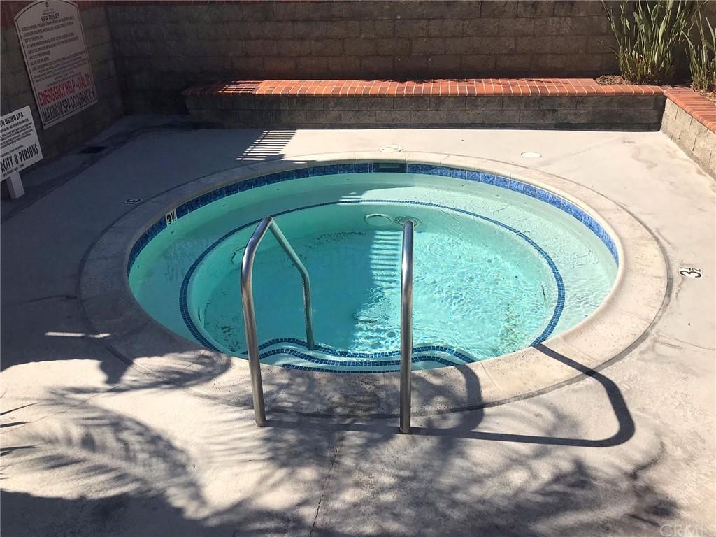 Pending   39 Clover Lane #275 Aliso Viejo, CA 92656 41