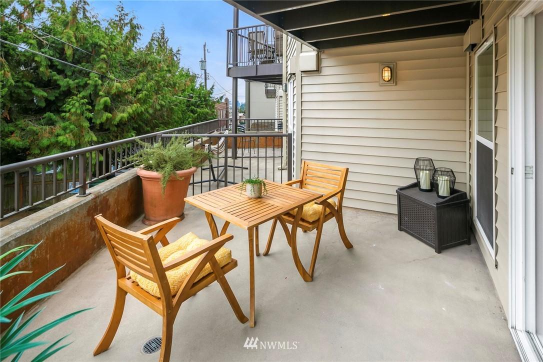 Pending | 4020 Aurora Avenue N #107 Seattle, WA 98103 20