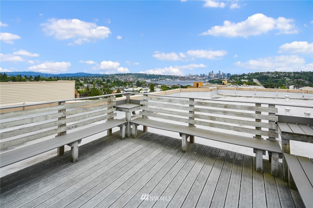 Pending | 4020 Aurora Avenue N #107 Seattle, WA 98103 21